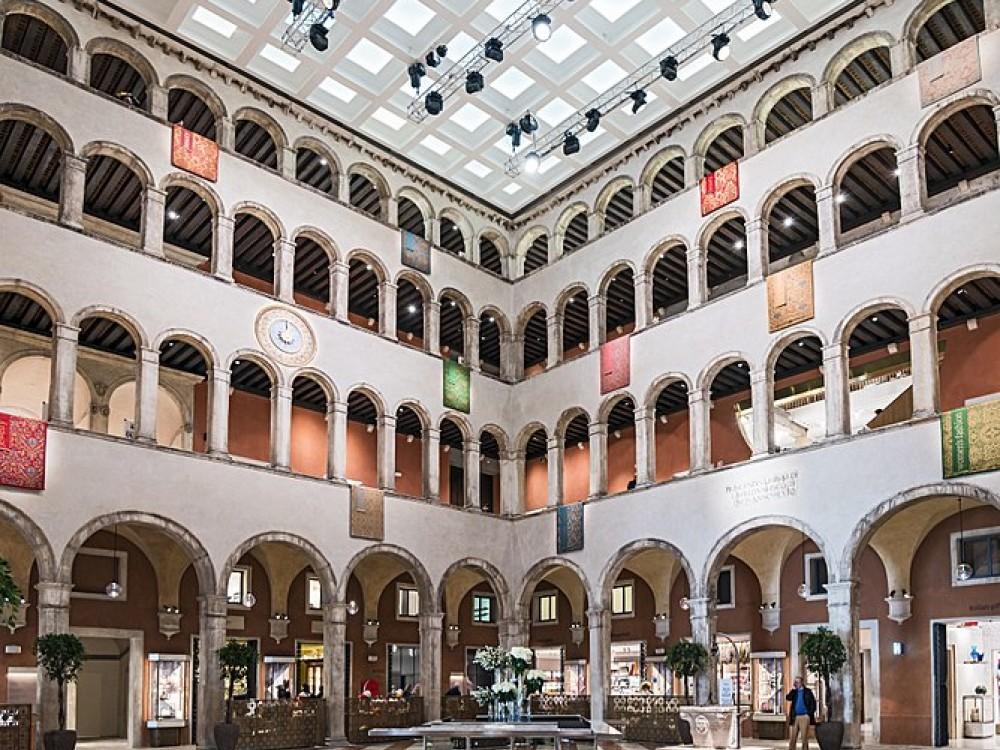 Fondaco dei Tedeschi - Venice
